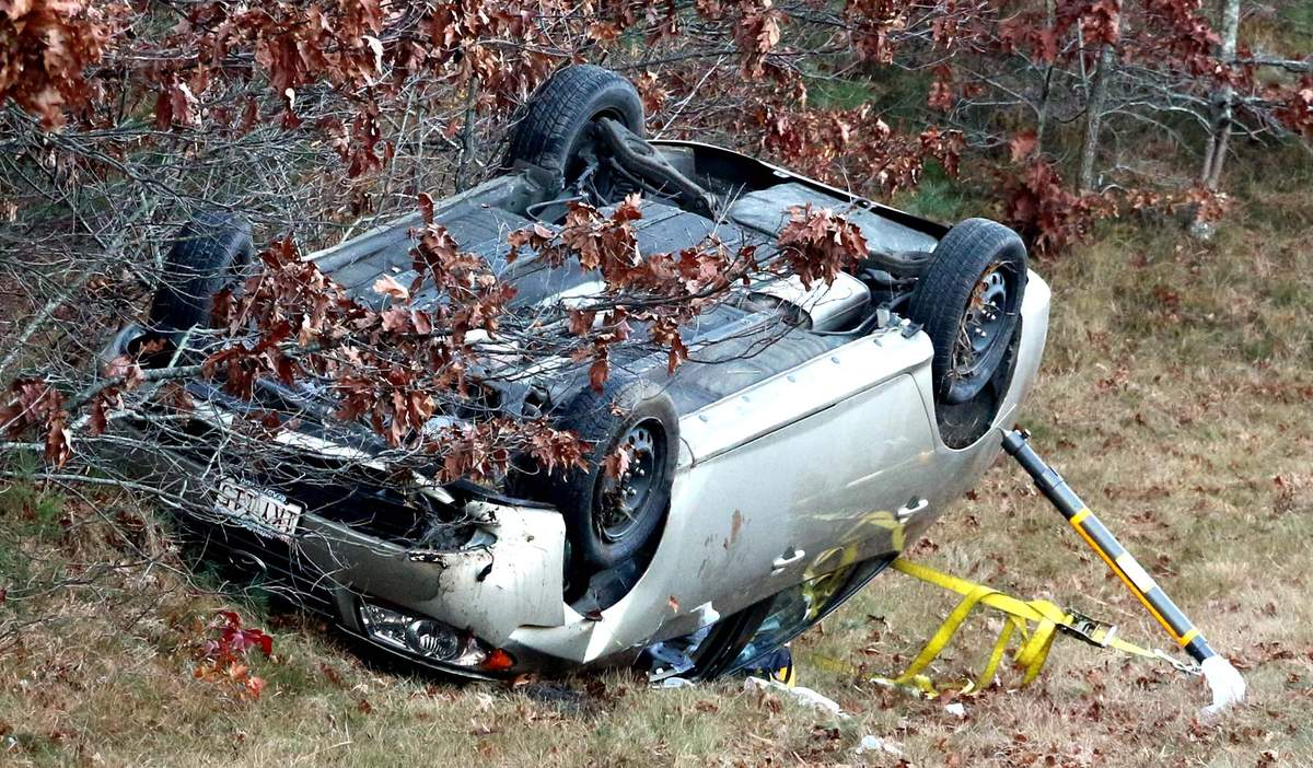 One seriously injured in rollover crash on I-495 - Wareham, MA